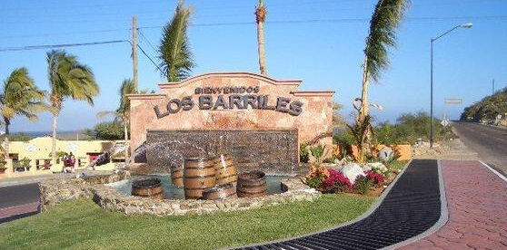 Los-Barilles-entrance